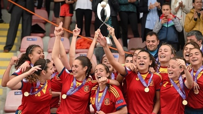Spain's record seventh #WU17EURO final: past highlights